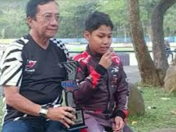 Daffa AB bersama sang ayah, Irjen Purn Anang Boedihardjo pada sesi interview