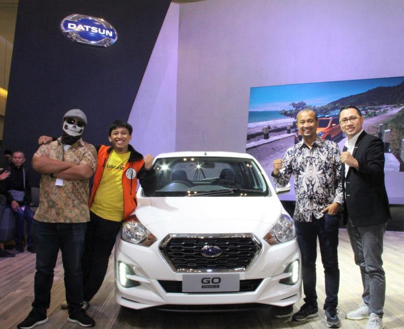 Datsun menyediakan satu Datsun GO CVT untuk masing-masing peserta Datsun Live Modz Challenge 2019; Fitra Eri, Motomobi dan Ridwan Hanif.(anto)
