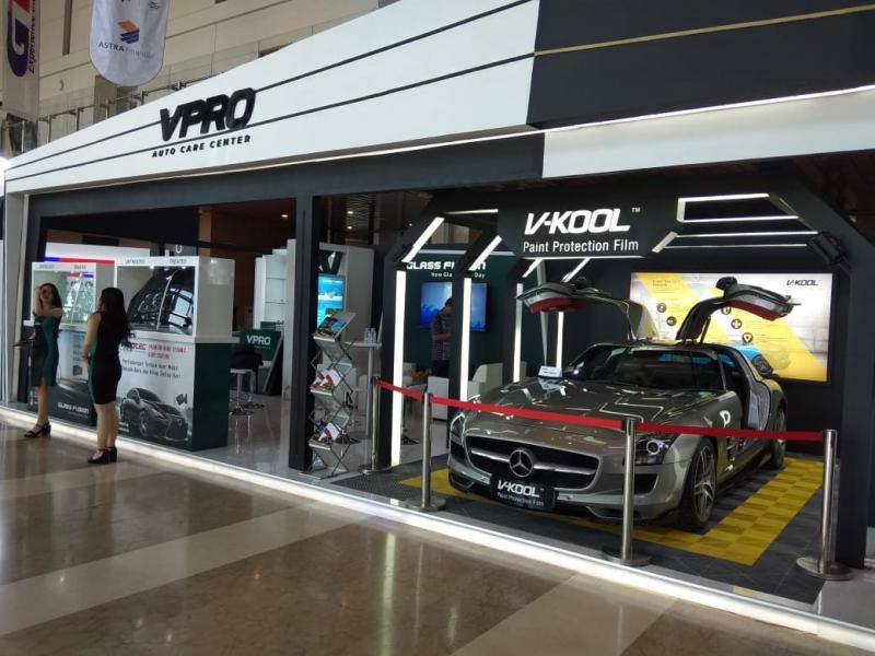 V-KOOL juga menyediakan fasilitas tes kaca film untuk pengunjung dan komunitas yang ingin mengetahui performa kaca film yang terpasang di mobilnya. (anto)