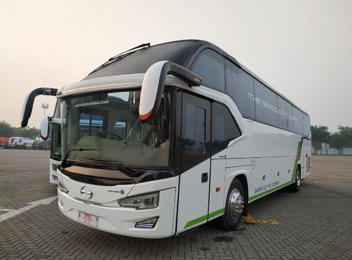 Bus RN sendiri merupakan bus andalan di jalur Trans Jawa, bus ini dirancang dengan kualitas dan tingkat efisiensi yang tinggi. (dok. Hino)