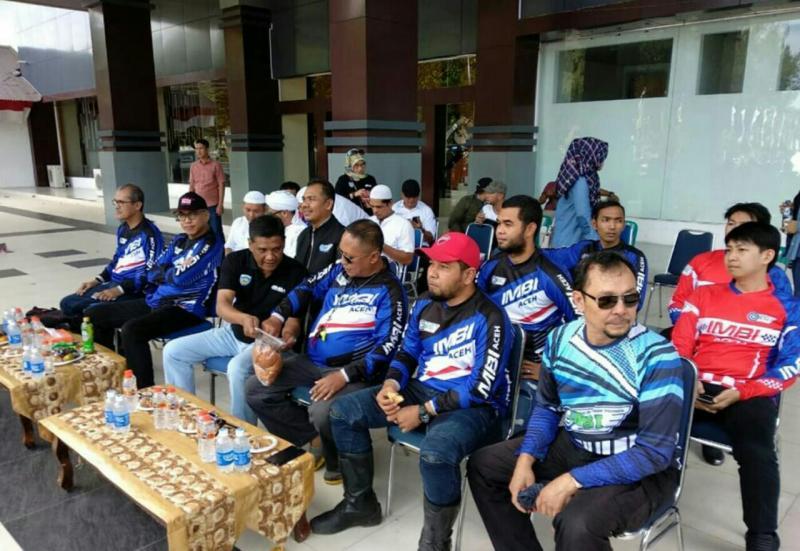 Anwar Ishak, Iskandar Hadipriatna dan Boy Agus (dalam frame) adalah 3 dari 4 kandidat Ketua IMBI Aceh. (foto : imbi aceh)