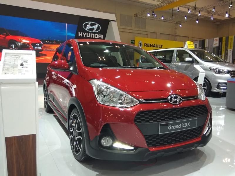 Grand i10xc ini didesain berukuran kompak ini menawarkan sensasi berkendara dengan build quality khas Hyundai. (anto)
