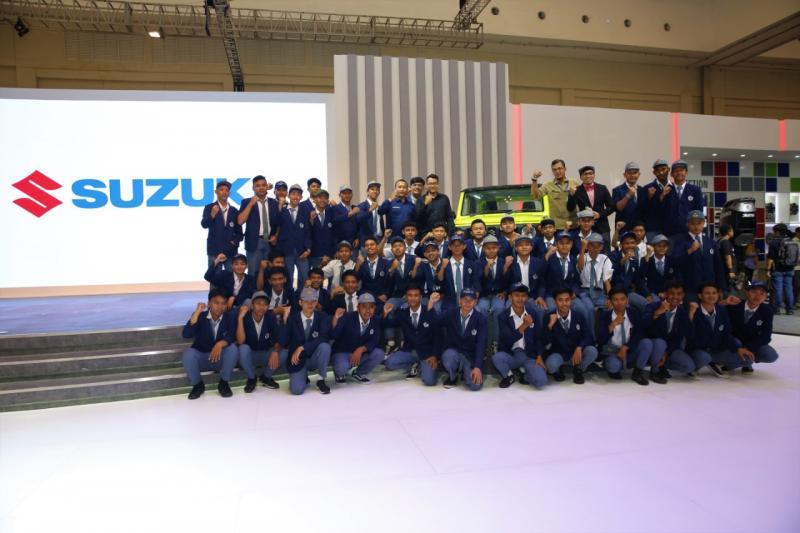 Melalui program ini, Suzuki berharap dapat memberi kesempatan untuk mewariskan keistimewaan performa Jimny dan teman-teman pelajar. (dok. Suzuki)