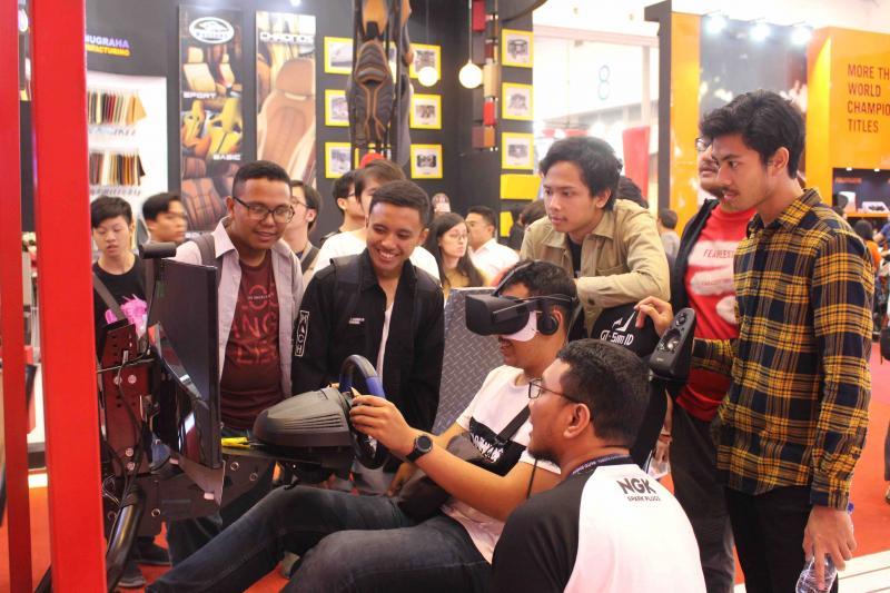 Games NGK Challenge di booth NGK Busi, ICE BSD
