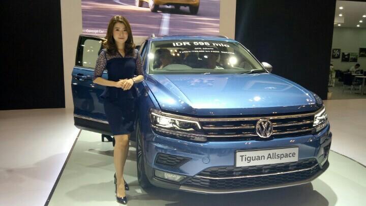 VW Tiguan Allspace, untuk memenuhi selera konsumen Indonesia. (foto : bs)