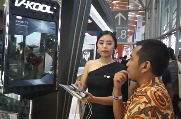 Ketiga produk baru V-KOOL ini mendapat sambutan sangat baik dari para calon konsumennya di GIIAS 2019. (reza)