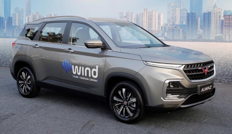 Fitur Wuling Indonesian Command (WIND) disematkan pada varian terbaru Smart Technology SUV Wuling, Almaz. (dok. Wuling)