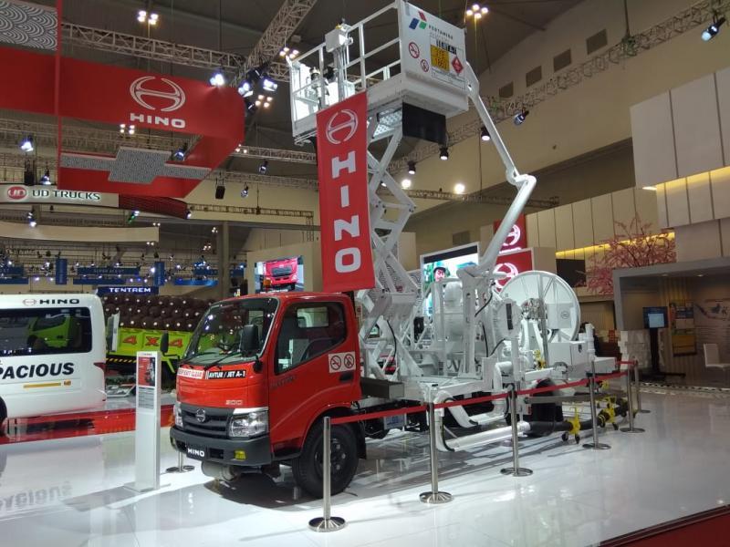 Hino Dutro 130 MDL sendiri sangat sesuai sebagai Truk Hydrant Dispenser, dengan ruang kargo yang lebih panjang membuatnya dapat digunakan untuk beragam aplikasi.(anto)