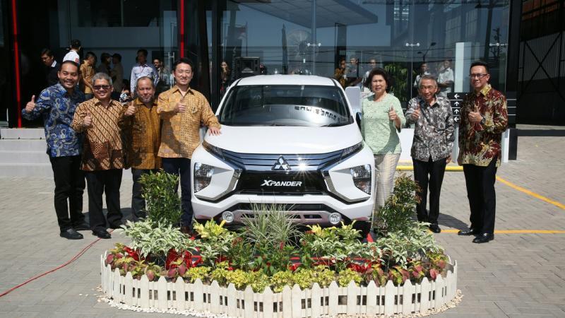 Dealer kendaraan penumpang Mitsubishi diresmikan di kota Indramayu