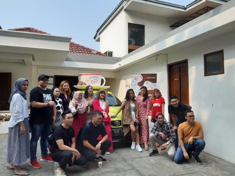 Toyota Yaris Club Indonesia (TYCI) rayakan HUT RI dengan kegiatan seru belajar meracik kopi (dok. TYCI)