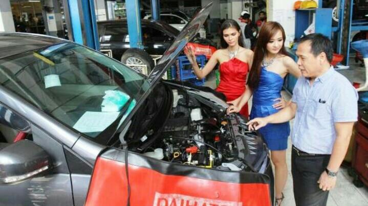 Mobil perlu mendapat perawatan rutin agar harga jual tetap tinggi. (foto : solopos)