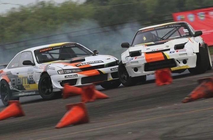 Trek ini bisa memuat tandem dua mobil drifting di tikungannya, didesain untuk semua kalangan kelas, Pro, Rookie dan Drift Star. (dok. Abm_motorsport)