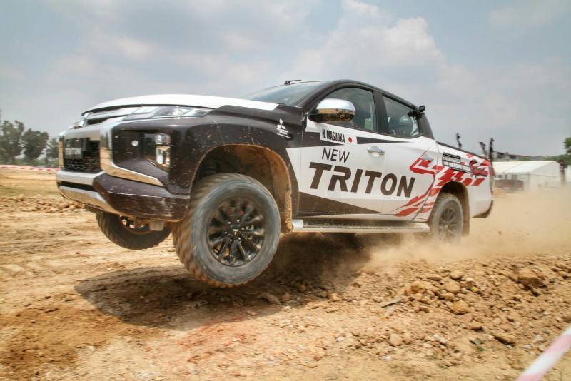 New Triton dikenalkan di trek offroad kepada masyarakat Pekanbaru, Riau