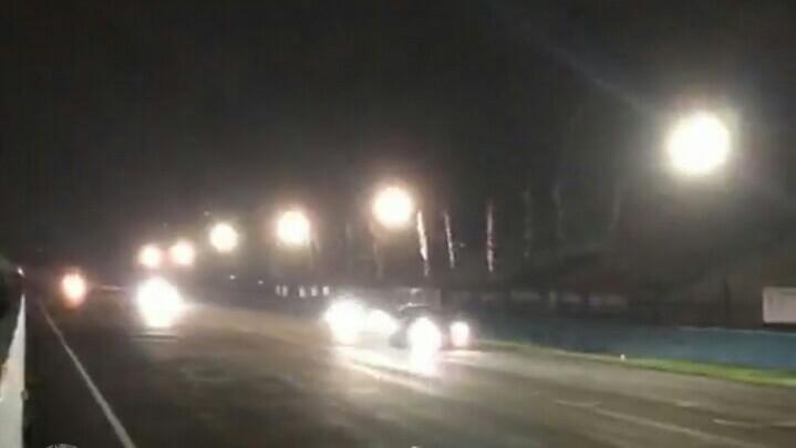 Sesi free practice ISSOM Night Race pada Kamis malam ini sempat diwarnai lampu mati di beberapa tikungan, namun segera bisa diatasi