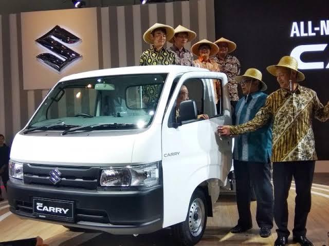 Suzuki New Carry Pick Up menjadi kendaraan niaga andalan konsumen, terutama para pengusaha di bidang pertanian. (anto)
