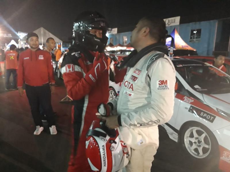 Duo pembalap teratas Alvin Bahar dan Haridarma Manoppo saling respect