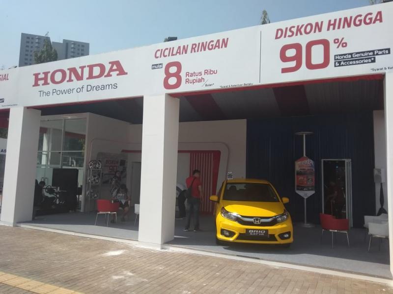 Sejumlah aktivitas yang disuguhkan Honda di beberapa area Otobursa di Parkir Timur Senayan, Jakarta Selatan. (anto)