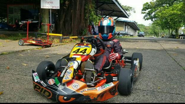 Daffa AB latihan di Paddock Sentul Circuit karena sirkuit gokart Sentul dipakai kejuaraan balap motor