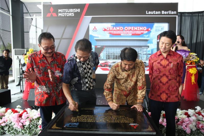 MMKSI resmikan dealer terbaru fasilitas 3S di Palembang