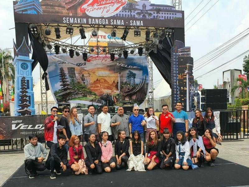 Kegembiraan masyarakat Palembang pada Festival Avanza Veloz Sebangsa yang dihelat kemarin dan hari ini