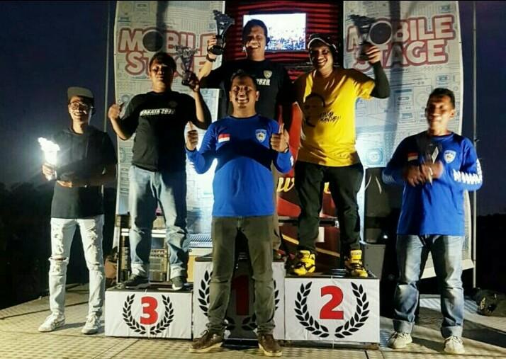 Podium juara membawa nama harum komunitas khusus mobil BMW di Padang