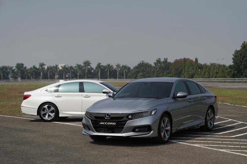 All New Honda Accord raih mobil terbaik Carvaganza Editors Choice Award