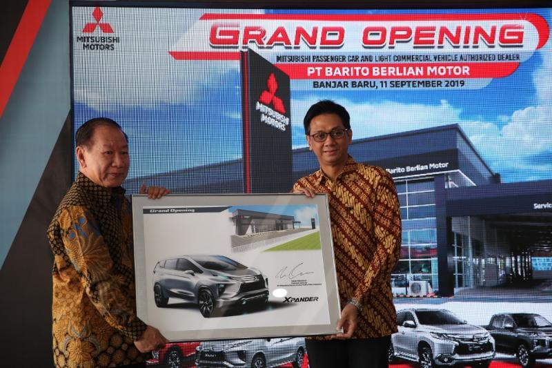 Irwan Kuncoro (kanan), Sejalan dengan hadirnya model baru dalam jajaran produk kami di Indonesia, tentunya harus didukung juga dengan layanan dealer yang dapat memfasilitasi segala kebutuhan konsumen. (ist)