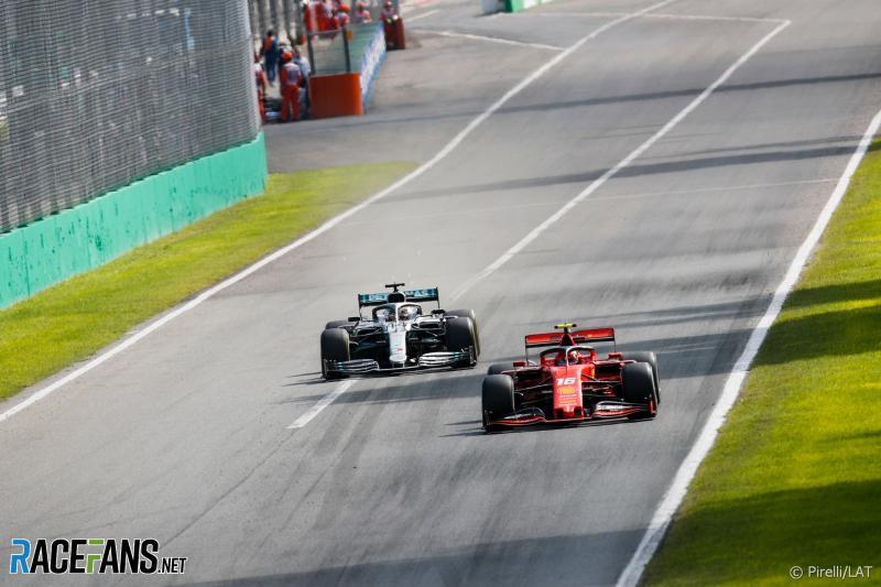 Duel Lewis Hamilton (Mercedes) dan Charles Leclrec (Ferrari) di GP Italia, akan berlanjut di race berikutnya dengan `mengajak` Max Verstappen (Red Bull). Foto: racefans). (Foto:espn)