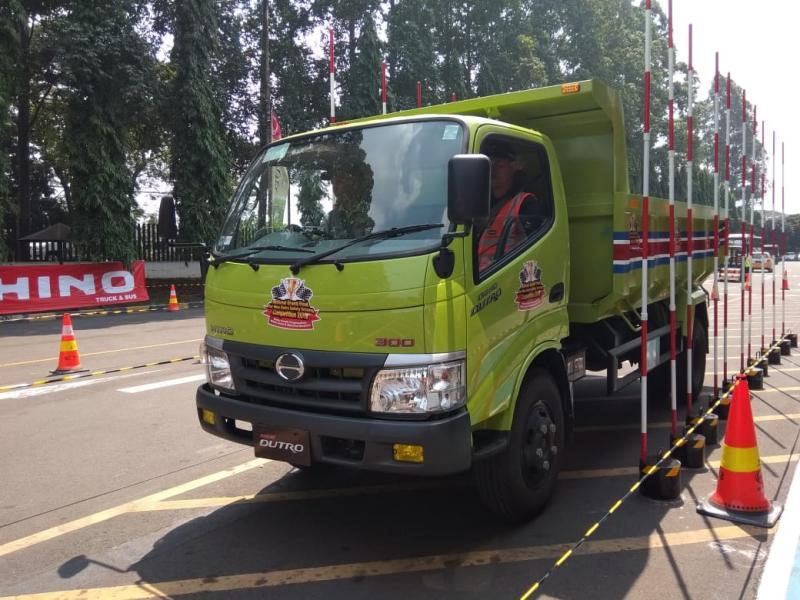Hino Safety Driving Competition telah diikuti lebih dari 1.500 pengemudi dari 850 perusahaan di 23 kota di Indonesia sejak tahun 2017. (anto)