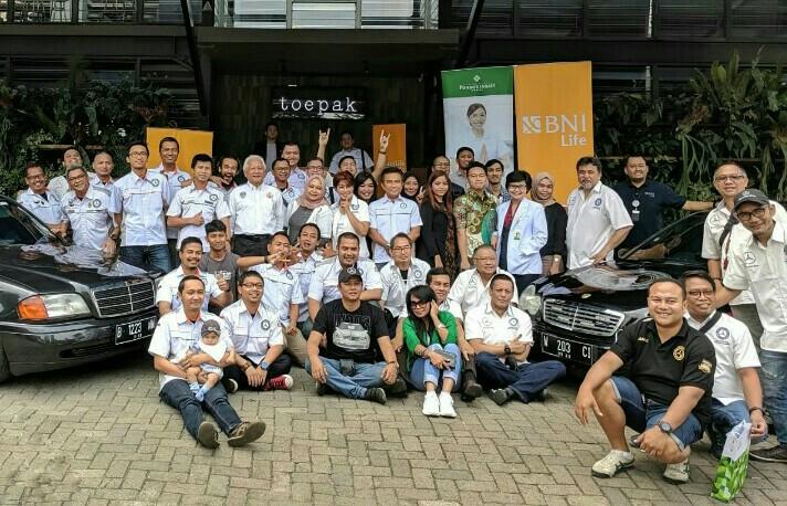 Komunitas Mercedes-Benz W202 Jakarta adakan Manohara di SCBD Jakarta hari ini