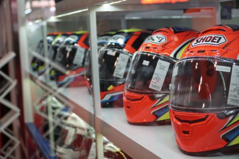 Helm Shoei, dipakai Marc Marquez di ajang MotoGP