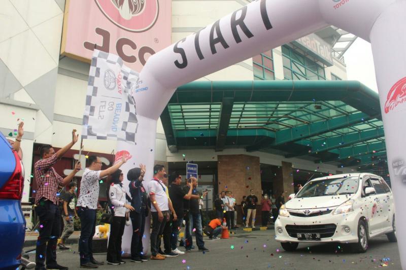 Sebangsa Fun Trip dengan 100 mobil Toyota Avanza - Veloz keliling kota Pekanbaru