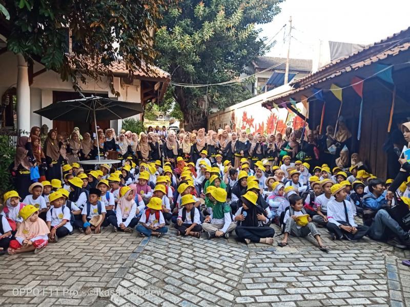 Toyota Yaris Club Indonesia (TYCI) bekerjasama dengan Pay & Do It menyelenggarakan kegiatan menarik di Museum Layang-Layang Indonesia