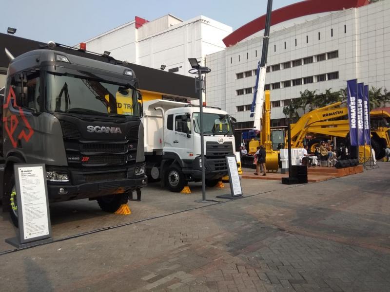 Tercatat sejumlah pabrikan kendaraan komersial dan beberapa merek kendaraan komersial dan alat berat turut ambil bagian di acara ini.(anto)
