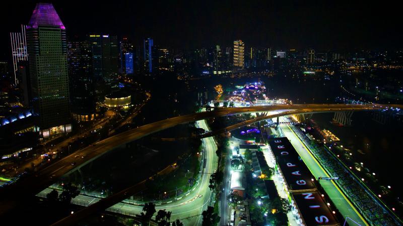 GP Singapura edisi 2019 mendapat satu DRS ekstra, memperbanyak aksi overtaking. (Foto: f1.com)