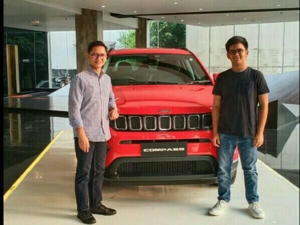 Ari Utama dan Mirza Putra Utama, lebih pada memberi masukan untuk kemajuan balap mobil di Indonesia. (foto : bs)