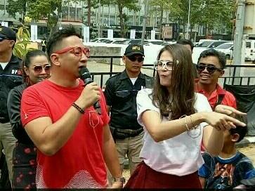 Pasangan selebritis Agus Ringgo dan Sabai Dieter sebagai keluarga #XpanderPinterBener. (foto : bs)