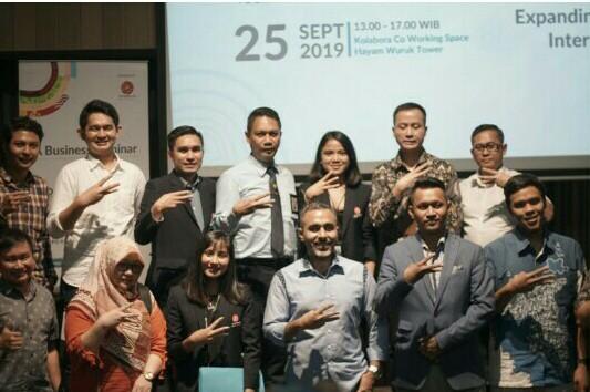 Seminar bisnis dengan tema Bagaimana Mengembangkan Bisnis Otomotif di Kancah Internasional oleh Dyandra Promosindo & Share Project di Jakarta hari ini.