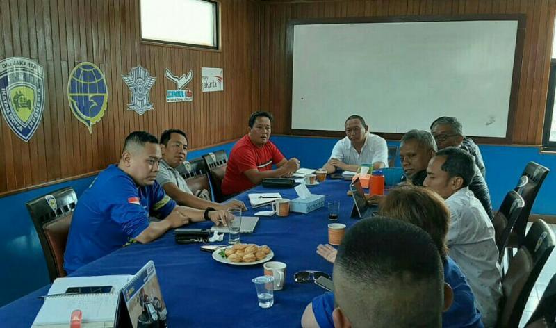 Suasana rapat koordinasi IMI DKI & IOF Jakarta untuk ground breaking trek tanah Ancol Jakarta Utara