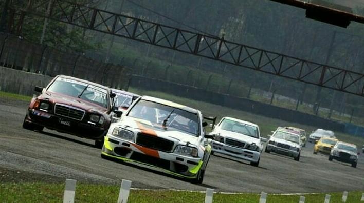 Dua putaran kejurnas balap mobil ISSOM 2019 dimajukan agar lebih optimal. (foto : endy digital image)