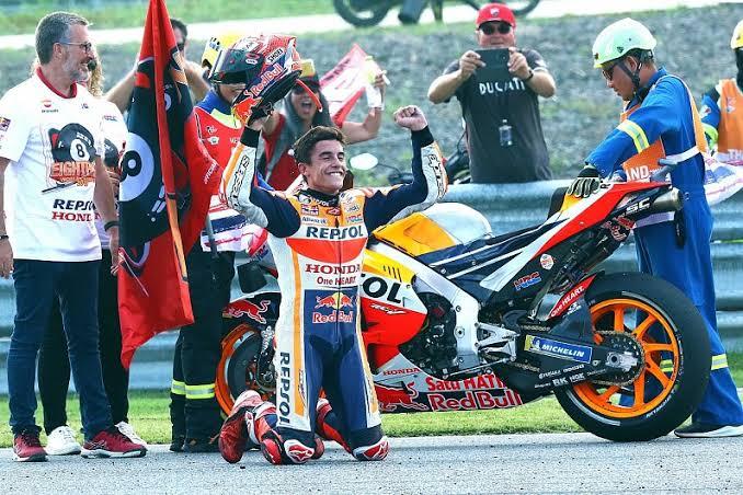 Selebrasi Marc Marquez usai mengunci gelar juara dunia MotoGP 2020 di Thailand