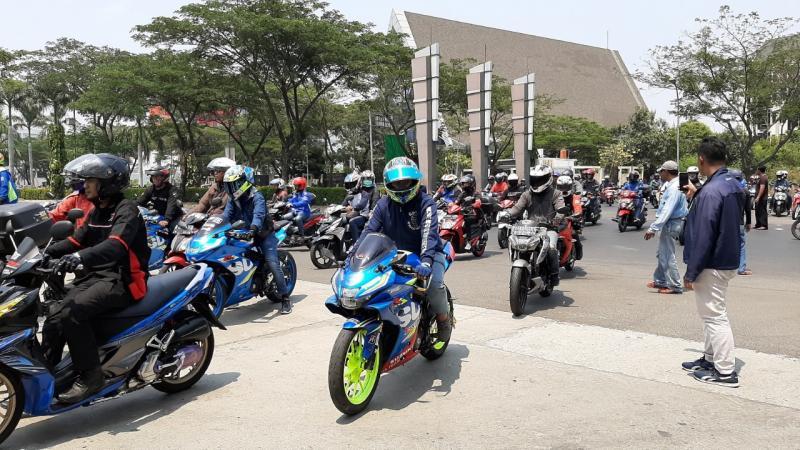 Kegiatan ringan yang berfokus pada sunday morning ride (sunmori) menjadi obat rindu dan pelepas kangen seluruh pemilik dan pecinta sepeda motor Suzuki.(ist)