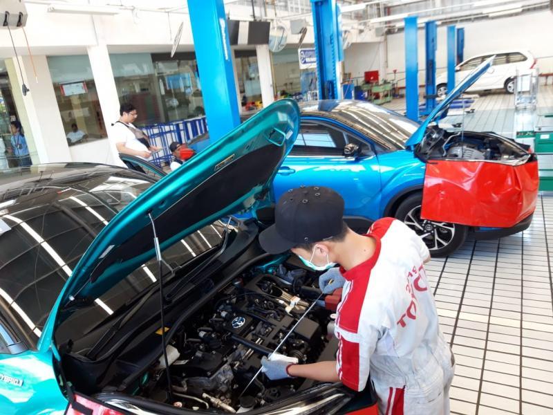 Auto2000 Banyuwangi melayani perawatan mobil Hybrid