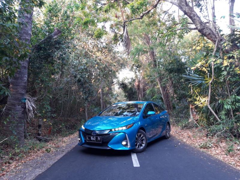 Toyota Prius PHEV diisukan segera launching di Indonesia