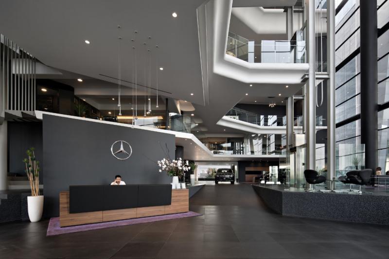 Dealer Nusantara telah disertifikasi sesuai standar 3S (Sales, Service, Spare parts) oleh Mercedes-Benz. (dok. MBDI)