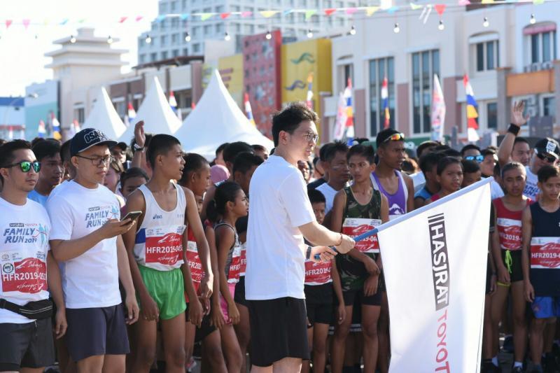 Festival Avanza Veloz Sebangsa di Manado diisi dengan ajak aja warga hidup sehat