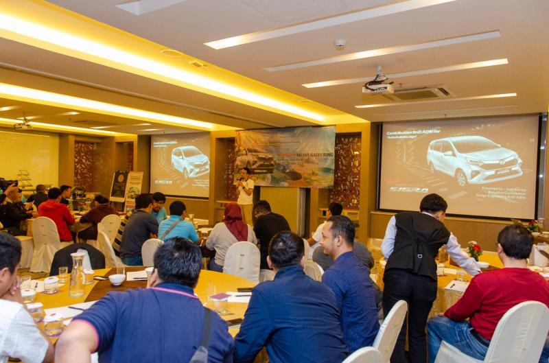 Kesempatan ini sekaligus menjadi sesi media gathering, dimana PT Astra Daihatsu Motor (ADM) kupas tuntas proses R&D-nya di Indonesia. (anto)