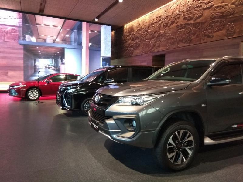 Program Toyota Drive sejatinya memberikan kemudahan pada pelanggan setia Auto2000 agar dapat ganti mobil baru Toyota setiap 3 tahun sekali. (anto)