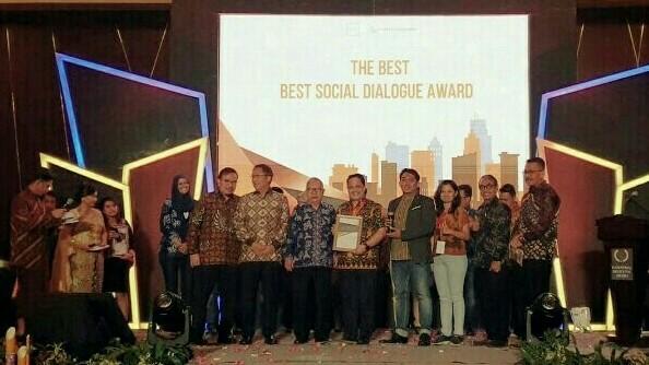FIFGROUP raih penghargaan Best Social Dialogue di kota Semarang