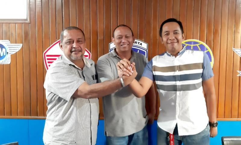 Dari kiri Leonard Galistan, Anondo Eko dan Firman. Estafet kepemimpinan team rescue IMI DKI 2019-2020.